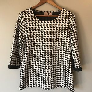 Chico's black and white top size 1